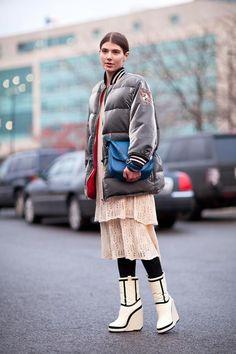Marc Jacobs' moon boots are the perfect chilly afternoon footwear.    #streetstyle #newyorkfashionweek #fashion #fashionweek #style #harpersbazaar #mrnewton  Fall Bags #2dayslook #FallBags #kelly751 #ramirez701 #watsonlucy723  www.2dayslook.com