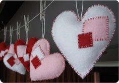 sew ins, hand sewing, valentine day crafts, felt hearts, diy valentine's day, garlands, heart garland, diy christmas, sewing patterns