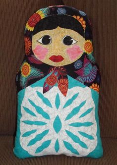 Russian Doll Pillow Pattern. Download the free pattern at www.tovadiandean.com