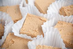 Peanut butter fudge using just 1 tub Vanilla Frosting and 1 jar 16.30z Creamy Peanut Butter