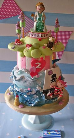Pirate & princess cake shared by www.twinsgiftcompany.co.uk