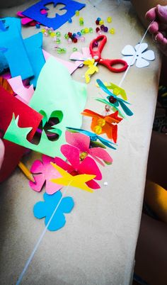Summer Camp Crafts - Hawaii Flower Necklace