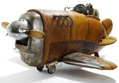 http://clockworker.de/cw/wp-content/uploads/2011/12/Stephane-Halleux-Steampunk-Sculptures-02.jpg