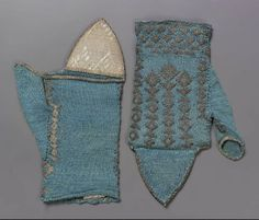 Pair of knitted mitts, Italian, 17th century