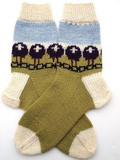 Purple Sheep Heid December socks by yarnloopie, via Flickr