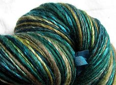 Handspun Yarn Thick and Thin Single Oatmeal Blue Faced Leicester and Tussah Silk 'Verbena'
