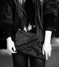 I would so carry this gun bag!