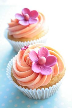 Pretty Cupcakes with Pink Flowers