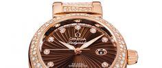 Omega Ladymatic Es una de las estrellas más brillantes de la colección De Ville, con un total de 894 diamantes y caja en oro rosa.
