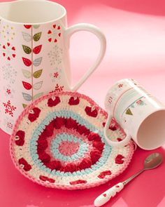 Show your dishes some love with this pretty crocheted dishcloth. Shown in Lily Sugar 'n Cream. Free Tutorial ✿Teresa Restegui http://www.pinterest.com/teretegui/✿ craft, valentine day, knitting patterns, dishcloth pattern, crochet dishcloths, crochet patterns, yarn, valentin dishcloth, cream