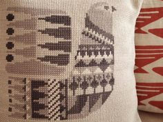 Retro Danish cross stitch #embroidery design: 'Bird' pillow cover PDF pattern available on Etsy.