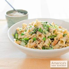 Lighten up dinner with our recipe for Spring Vegetable Pasta. Asparagus, Peas, and Parmesan? Done.