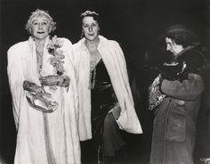"Weegee (Arthur H. Fellig), ""The Critic"" (1943) | photograph | gelatin silver print    Source: http://www.sfmoma.org/explore/collection/artwork/14438#ixzz1jHFP0Xda   San Francisco Museum of Modern Art"