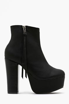 Cielo Platform Boot in Shoes at Nasty Gal