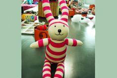 chiribambola: ¡Haciendo muñecos con calcetines! (I)