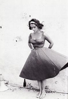 Elizabeth Taylor on the set of Suddenly, Last Summer (1959).