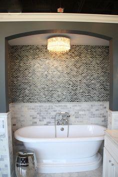 LOVE this bathtub!