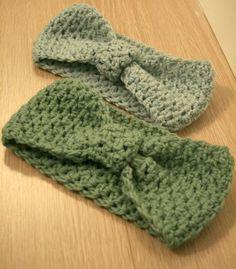 Bow crochet headband