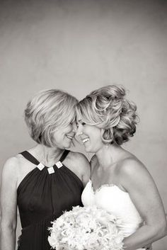 short wedding hair and a sweet mother/daughter photo - I also like the hair