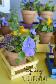 spring flowers, paint thrift, flower centerpieces, spray paint, flower displays, crate flower, paint crate