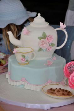 This is a cake!  Beautiful tea party cake #teapot #teaparty #cake