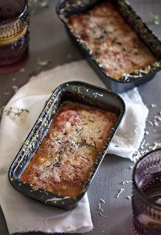 """Receta 308: Calabacines con salsa de tomate al gratén » 1080 Fotos de cocina, proyecto basado en el libro """"1080 recetas de cocina"""", de Simone Ortega. http://www.alianzaeditorial.es/minisites/1080/index.html"""