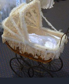 victorian pram/baby carriage