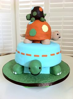 Turtle Baby Shower Cake!  @Lindsay Dillon Dillon manley  This matches your favorite invitation!