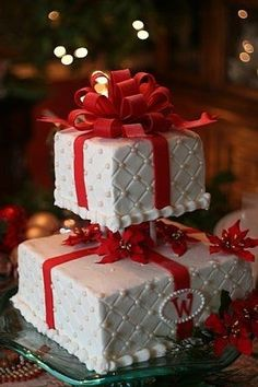 Quilted Christmas Present Wedding Cake | #christmas #xmas #holidays #xmaswedding #christmaswedding