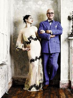 Manolo Blahnik's suit was custom-made in the tailor Anderson and Sheppard of Savile Row.