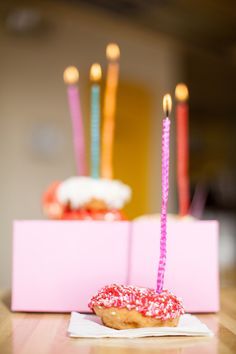 DIY candles :: homemade beeswax birthday candles