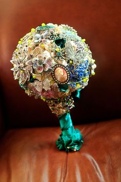 I really want a broche bouquet