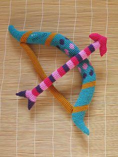 amigurumi bow & arrow.
