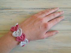 heart bracelet - free crochet pattern-HappyBerry