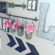 Cute gallery-type wall