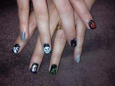 Halloween Nails inspired by The Nightmare Before Christmas by Emma Brock @emmapbrock