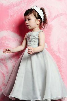 Perfect ball gown organza sleeveless flower girl dress $172.00