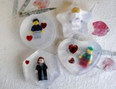 For the big or little Lego geek in your life: how-to on making Mini Fig soaps! (from CraftTestDummies.com)