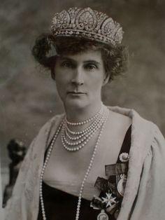 Evelyn Duchess of Devonshire, circa 1910