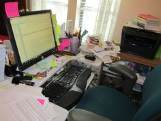 My latest office at our home in Knoxville. I don't get any neater, do I? It works for me anyway.