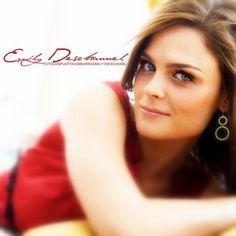 Emily Deschanel. Love her as Bones!