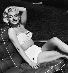 Bathing beauties on their famous figures