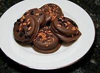 Ritz Cracker Treats - peanut butter and chocolate