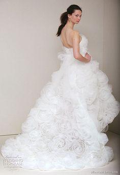 Google Image Result for http://www.weddinginspirasi.com/wp-content/uploads/2010/06/monique-lhuillier-wedding-gown-dress-2011-spring.jpg