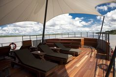 Choose sun or shade to relax on the upper deck.