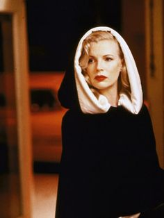 Kim Basinger as Veronica Lake look-a-like <3
