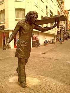 Photo Tour of Leuven: Baker sculpture in Leuven by Karen V Bryan, via Flickr