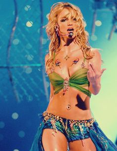 Britney Spears~Slave For You performance Beautiful costume :)