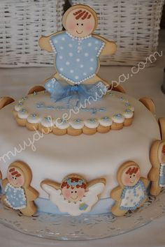 Cake with cookies