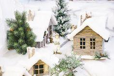 How to make cardboard houses for Christmas